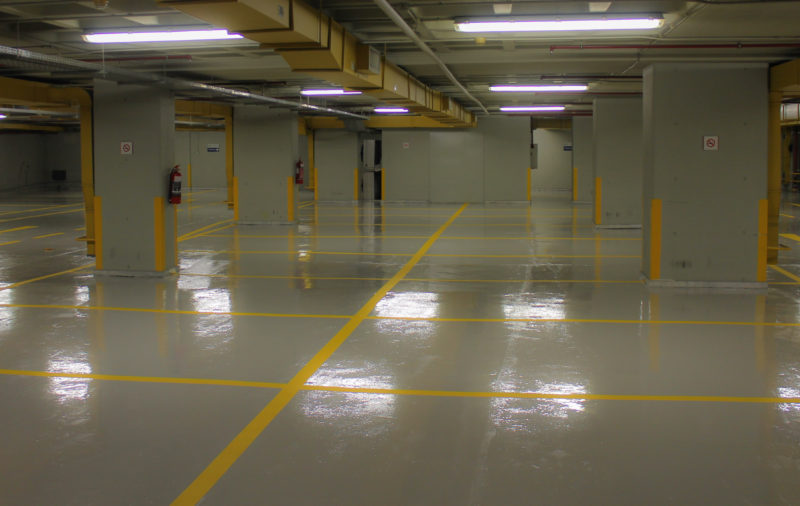 Flexible car park flooring RAL 7047