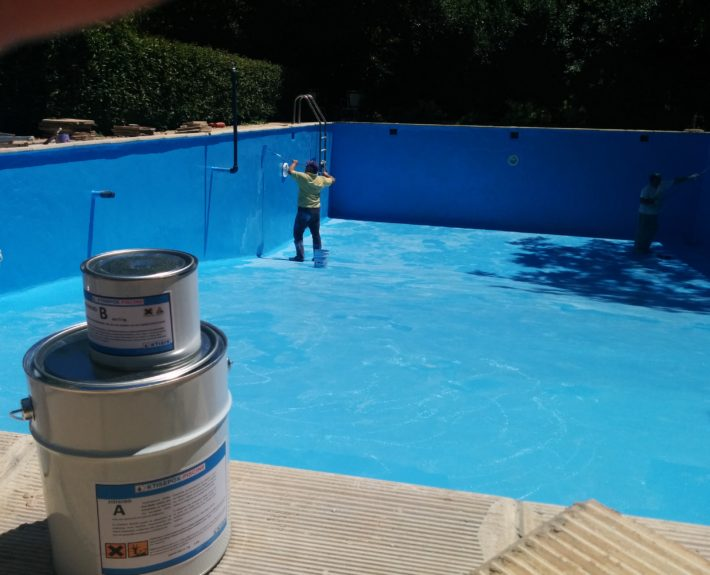 Ktisepox piscine epoxy pool coating for protecting surfaces of swimming pools for Epoxy coating for swimming pools