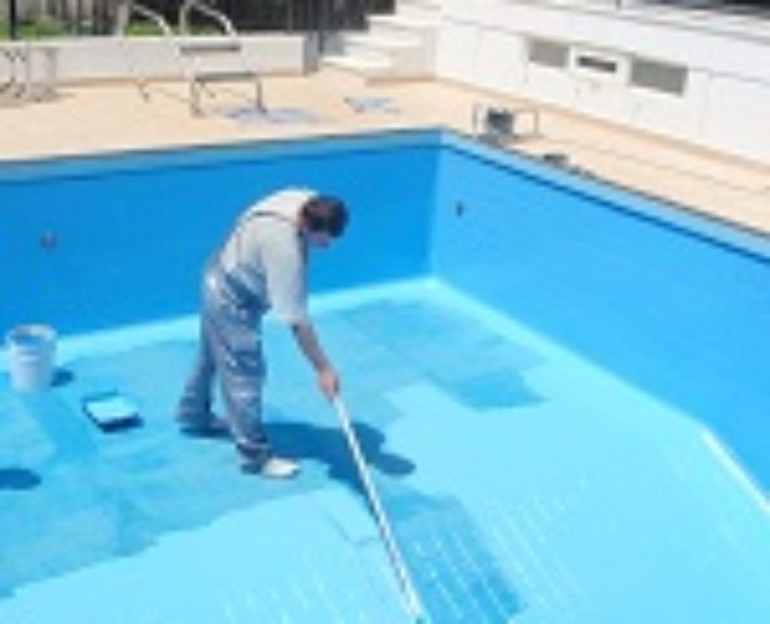 Re-coating a pool with Ktisepox Piscine